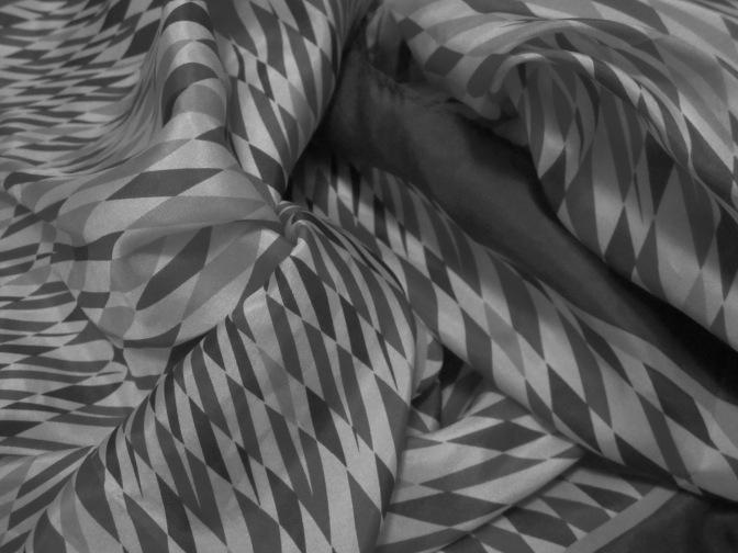 Textile monochrome
